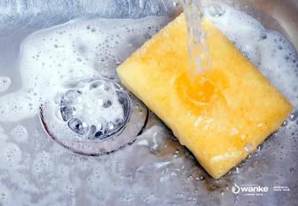 Aprenda a fazer detergente caseiro de coco